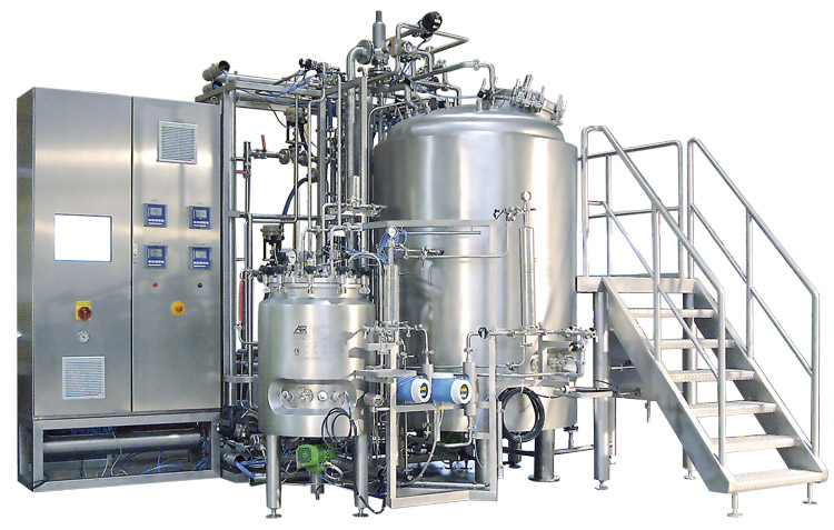 Formulation with fixed tanks and integrated CIP/SIP process
